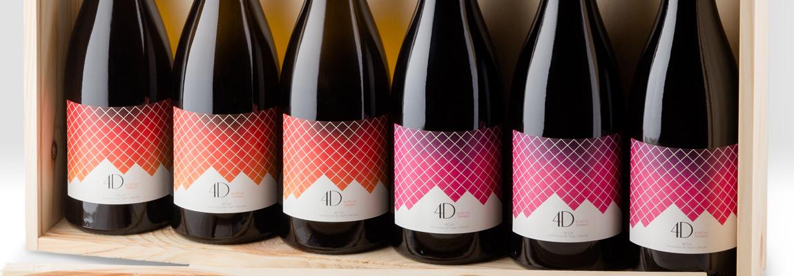 Fotografía de botellas vino.